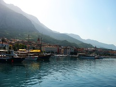 Beautiful Makarska (Dalmatica) Tags: sea panorama pirates croatia mytown adriatic adria adriaticsea hrvatska dalmatia dalmacija makarska aronia biokovo pirati morninghaze cityonwater dalmatica underbiokovo lipomojemakarskomorenecutezaboravitmocjersutvojenajlipsezorejerjetvojanajlipsanoc muccurum jadaran plavijadran blueadriatic biokovomountain uskoci uskok marianatomas