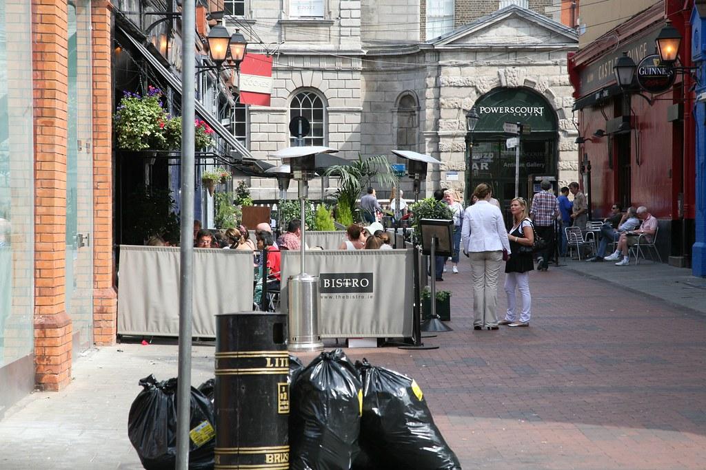 DUBLIN ON A SUNNY SUNDAY