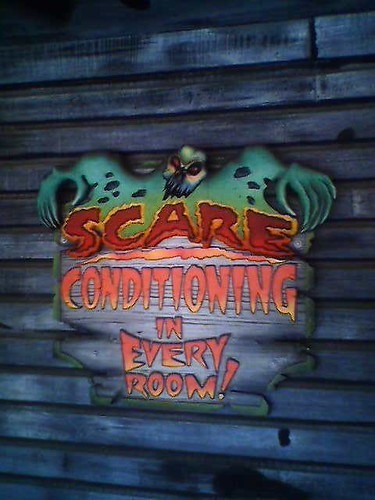 Myrtle Beach Pavilion Haunted Hotel - Scare Conditioning in Every Room