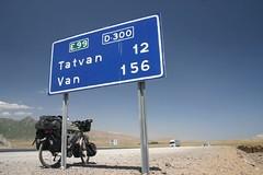 The last stretch of road before the huge Lake Van at around 1800m (Nicolai Bangsgaard) Tags: turkey favourites wt 26jul06