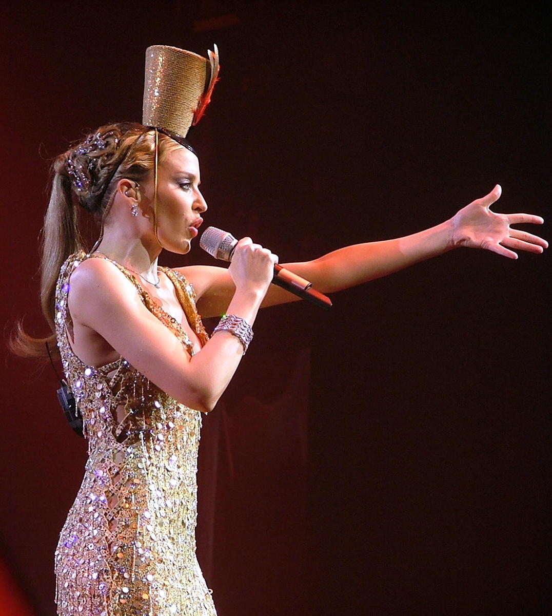Kylie Minogue live in Paris - Your Disco Needs You - April 20th 2005