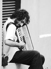 suonatore solitario (willer1973) Tags: bw salento bianconero biancoenero lecce suonatori suonatore bnvitadistrada