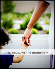 they're all... i need... in my life. (diyosa) Tags: 50mm iso200 hands father daughter vignette personalfave f20 maryjblige ilovethesetwo bokehphotooftheday nikonstunninggallery bokehsoniceaugust bokehsoniceaugust14