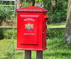 Broek-in-Waterland, Noordmeerweg Brievenbus Posterijen (Nik Morris (van Leiden)) Tags: holland post letters nederland postbox brievenbus broekinwaterland northholland posterijen olympusstylus1 noordmeerweg