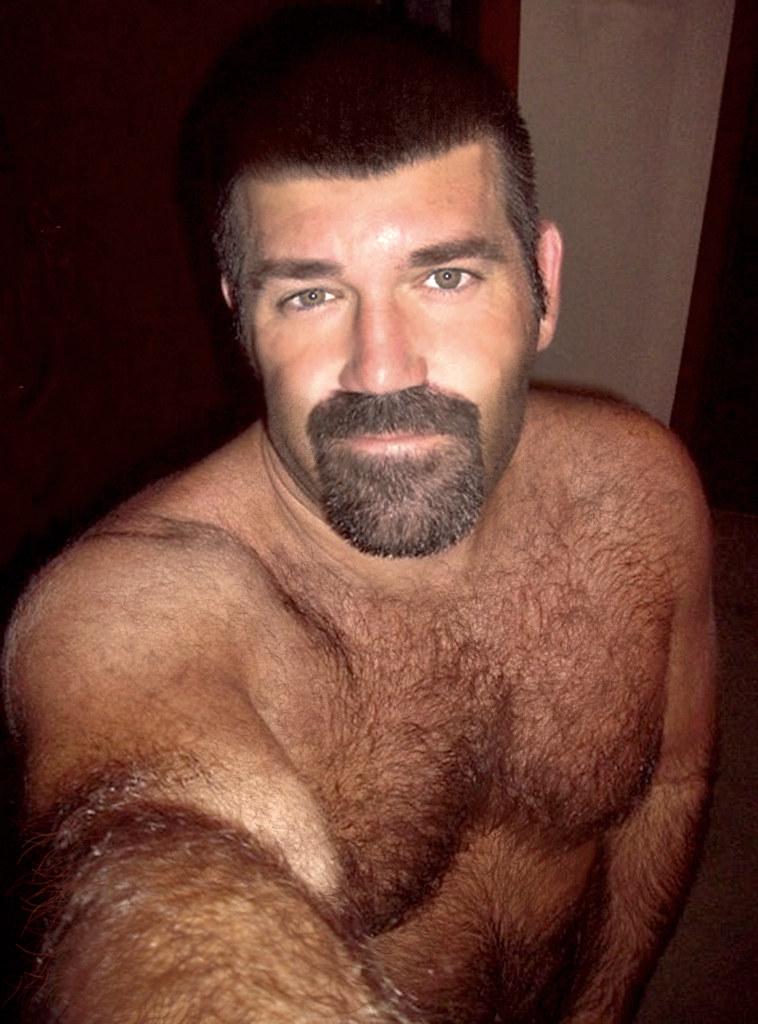 316 (rrttrrtt555) Tags: hairy smile muscles hair beard goatee eyes arms  masculine chest