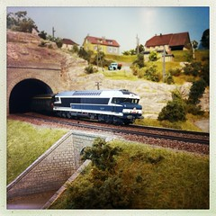 CC 72012 avec un rapid (hans.hirsch) Tags: train diesel tunnel cc coco portal express ho 187 rapid roco sncf lok portail motrice voyageur schnellzug h0 72000 72012