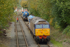 57009 Lady's Lane, 23/10/15 - Apon arriving at the MNR loop, 57009 backed onto the other solo RHTT wagon to reunite the pair. (rhayward92) Tags: norfolk rail railway class mid services direct 57 wymondham derailment mnr drs 57009
