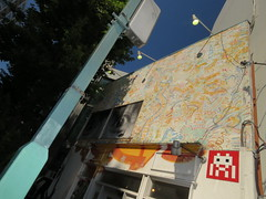 Space Invader TK_128 (tofz4u) Tags: streetart japan tile graffiti tokyo mosaic tag spaceinvader spaceinvaders jr invader japon keithharing mosaque artderue tk128