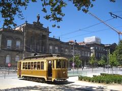 Hospital de Sto.António (ernstkers) Tags: 143 brill porto portugal stcp stcp143 streetcar tram tramvia tranvia trolley eléctrico strasenbahn bonde spårvagn