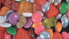 Bonbons (chrdraux) Tags: color couleurs colores smarties bonbons nounours gourmandises framboises mres drages sucreries glatine