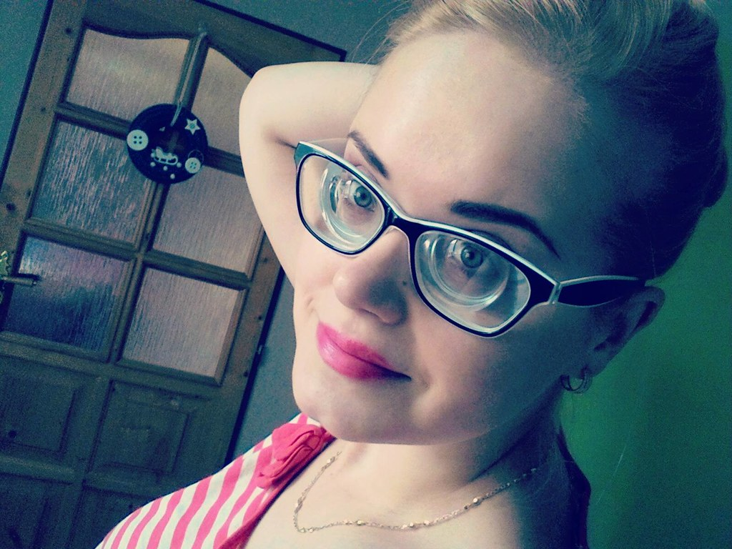 3212af7d6243 Stunning blonde girl with very strong glasses - myodiscs (Girls With Glasses  Gallery) Tags