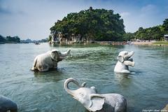Guillin (cvielba) Tags: china colina guilin parque rio trompaelefante