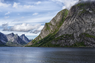 The mountains of Moskenesøya island