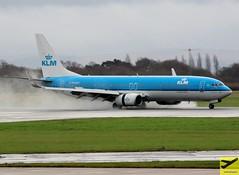 KLM B737-9K2 PH-BXS taxiing at MAN/EGCC (AviationEagle32) Tags: man manchester manchesterairport manchesteravp manchesterairportatc manchesterairportt1 manchesterairportt2 manchesterairportt3 manchesterairportviewingpark egcc unitedkingdom uk cheshire ringway ringwayairport runway runway23r runwayvisitorpark airport aircraft airplanes apron aviation aeroplanes avp aviationphotography aviationlovers avgeek aviationgeek aeroplane arrivals airplane planespotting planes plane flying flickraviation flight tarmac vehicle boeing boeing737 b737 b737ng b737800 b738 b738w b738sw b7379k2 b737900 b739 phbxs klm klmroyaldutchairlines royaldutchairlines skyteam landing schiphol schipholairport