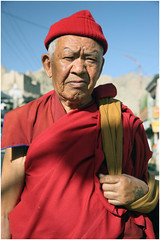 "India Travel Photography ""Monk in Leh"" Ladakh.150 by Hans Hendriksen (Hans Hendriksen Travel Photography) Tags: voyage street travel india mountain nature berg hat shop landscape photography photo foto buddha muslim religion natur north culture natuur monk buddhism holy monastery valley zanskar lama kashmir himalaya leh landschaft ferien indus nord klooster kloster ladakh jammu dalai sani landschap cultuur muts noord monch hemis rangdum kargil monnik religie boeddha lamayuru keylong sarchu sakti reisefotografie boeddhisme padum reisebilder thiksay zangla reisfotografie reisfoto   stomgdey"