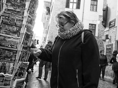 Postkarten (Gitte Herden) Tags: streetlife strasenfotografie streetphotography streetfotografie street streetfoto strasenszene strasenportrait streetscene