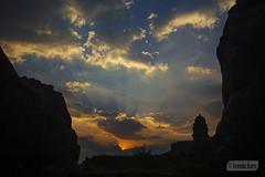 Sunset at Badami (Vinda Kare) Tags: india ancient karnataka badami rays sunset vatapi bagalkot sandstone