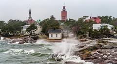 Myrsky (Tapio Kekkonen) Tags: hanko winter sea storm waves moon night could