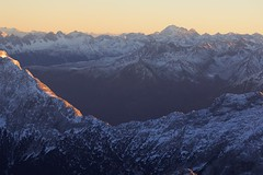 Zugspitze Sunset 01/01/17 ( Explored ) (José Rambaud) Tags: zugspitze alpes alps alpen deutscheland austria germany alemania montañas mountains sun sunset sunlight sky skyscape viaje travel traveler snow snowcapped baviera bavaria bayern