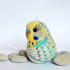 Budgie, needle felted wool decor (Linda Brike) Tags: needlefelting needlefelted bird ornament decor homedecor ball arttoy collectable collectorsitem wool woolart woolroommate etsy lindabrike peacock budgie budgerigar finch toucan puffin conure greencheekconure sparrow grackle robin lovebird