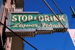 Stop and Drink (Cragin Spring) Tags: city chicago chicagoillinois chicagoil chitown windycity illinois il midwest urban unitedstates usa unitedstatesofamerica stopanddrink liquor neon neonsign sign vintage vintagesign oldsign rivernorth