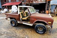 Old Ford Bronco (Paul's Captures (paul-mashburn.artistwebsites.com)) Tags: tractor oldtractor johndeere bronco valentinemills