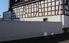 Dorf, Wetterau 2016 (Spiegelneuronen) Tags: wetterau dorf dörfer architektur strasen
