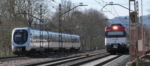 Unidades 913 de Eusko-Tren y 447-150 de Renfe en Gaintxurizketa. 15-2-17. Foto Koldo