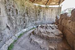 Foro de Roma - Templo de Csar (CarlosJ.R) Tags: foro juliocesar templodecesar