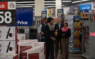 MMB@WalmartRiggsRdNE.10.23.15.Khalid.Naji-Allah-6519