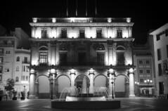 Ajuntament ([Nelooo]) Tags: blancoynegro noche arquitectura edificio fuente bn ayuntamiento castellon monocromtico