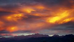 Picos de Europa (elosoenpersona) Tags: sunset mountains clouds de atardecer europa europe european asturias nubes peaks cordillera picos montaas cantu cantabrica elosoenpersona cabroneru viyao