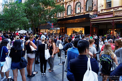 20151031-003-Crowd outside HM opening (Roger T Wong) Tags: people mall crowd sydney australia nsw newsouthwales opening hm 2015 pittstreet sony2470 rogertwong sel2470z sonyfe2470mmf4zaosscarlzeissvariotessart sonya7ii sonyilce7m2 sonyalpha7ii