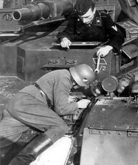 Reparing Panzer IV