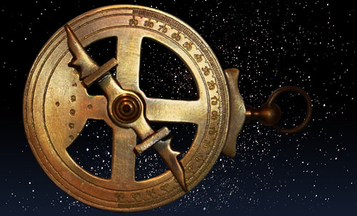 "Astrolabios, ubicantes de estrellas guía • <a style=""font-size:0.8em;"" href=""http://www.flickr.com/photos/30735181@N00/31766451584/"" target=""_blank"">View on Flickr</a>"