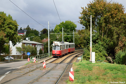 Wien (A), 03.10.16, E2 4049 + c5 1449 als Linie 60 in Rodaun