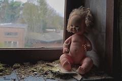 School's Out (Marian Smeets) Tags: schoolsout school urbex urbexexploring belgium belgie abandoned decay vervallen verlaten nikond750 mariansmeets 2016 pop doll