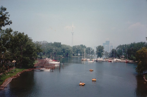 A view of the Toronto Islands from the cable car