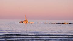 DSC_4790_457 (maurizio.s.) Tags: abruzzo martinsicuro lungomare nikon sunset mare sea tramonto scogli bird uccello pink red white blu whiteblu