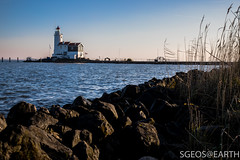 20170121-IMG_2493 (SGEOS@EARTH) Tags: marken holland zuiderzee ijsselmeer water sun lucht sky vuurtoren lighthouse winter canon