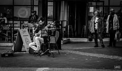 Guitarist (Daniel's Clicks) Tags: portrait music canada public vancouver bc performer guitarist lonsdalequay northvan vancitybuzz