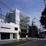 店舗併用集合住宅耐震改修増築工事の写真