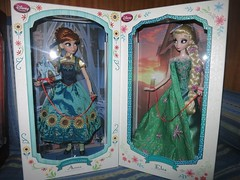 Anna and Elsa Fever Limited Edition (Kisa-san Cosplay & Fun) Tags: anna jafar prince cinderella charming limited edition elsa fever 2015
