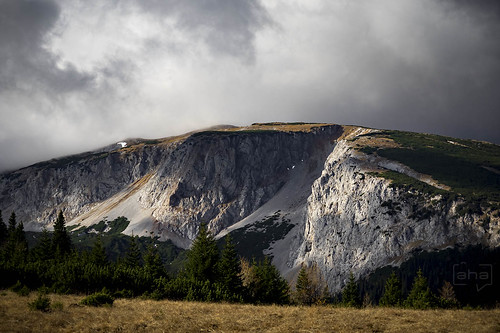 Probably the last #hiking trip for 2015 at the #Rax-Plateau, east end of the #Alps, in #Austria. Stormy #clouds and occasional #sun bursts painted a vivid #landscape for us.