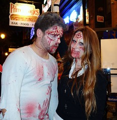 Strangled (ViewFromTheStreet) Tags: street classic philadelphia halloween photography calle costume amazing october couple unitedstates pennsylvania trickortreat candid south streetphotography strangle treat trick strangled 31 blick southstreet allrightsreserved noose 2015 viewfromthestreet stphotographia vftsviewfromthestreet blickcalle copyright2015 blickcallevfts copyright2015blickcalle blickcallevfts