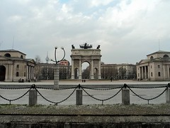 Milan The Tour Expert (39) (TheTourExpert) Tags: city italy milan cathedrals piazzadellascala capitalcities europeancities