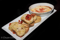 Cafe Amore 151206-4112a (Chuan Chee) Tags: food cheese restaurant appetizer stcatharines mozzarella crostini