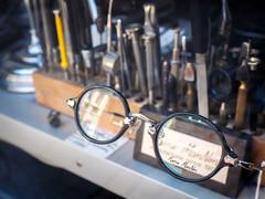 Kame ManNen - Made in Japan (TS_1000) Tags: japan glasses reparatur brille augen auge münster kame handwerk brillen mannen madeinjapan werkzeug optiker kamemannen