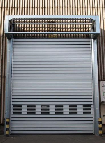 Швидкі енергоефективні ворота SST Efaflex великих розмірів