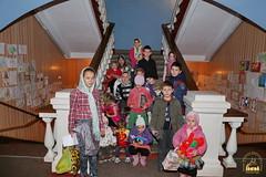 19. Humanitarian assistance for refugees at Svyatogorsk Lavra / Раздача гуманитарной помощи беженцам Лавры